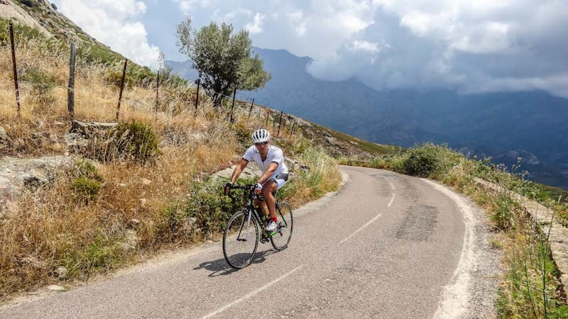 https://bcyclet.com/wp-content/uploads/2020/02/cycling-tour-corsica-9.jpg