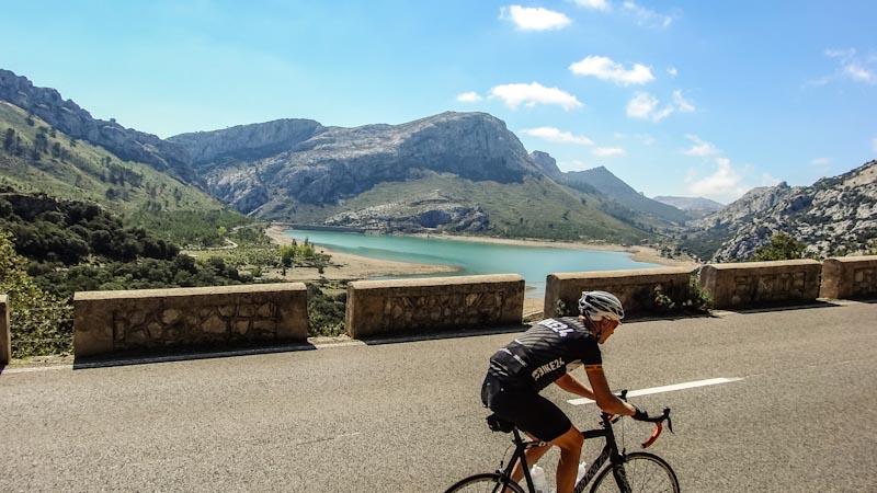 https://bcyclet.com/wp-content/uploads/2020/02/cycling-tour-majorca-37.jpg