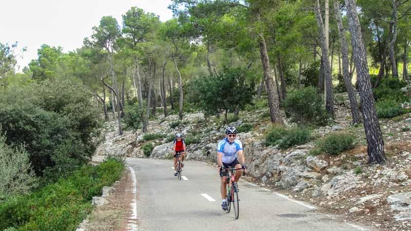 https://bcyclet.com/wp-content/uploads/2020/02/cycling-tour-majorca-49.jpg