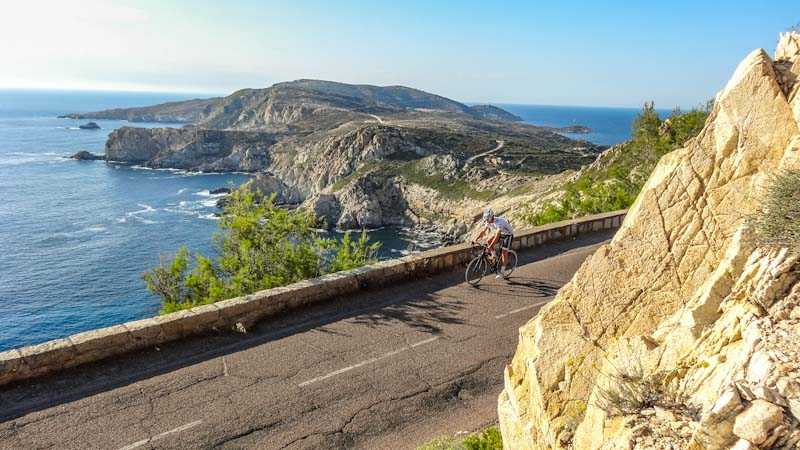 https://bcyclet.com/wp-content/uploads/2020/02/guided-bike-tour-corsica-5.jpg