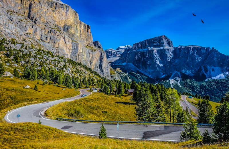 https://bcyclet.com/wp-content/uploads/2020/02/italy-dolomites-italian-alps-bike-tours-bcyclet-22.jpg
