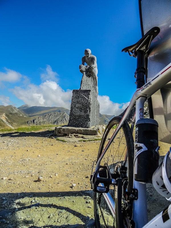 https://bcyclet.com/wp-content/uploads/2020/02/italy-piedmont-piemonte-bike-tours-bcyclet-39.jpg